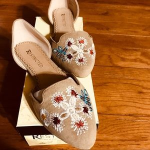 Restricted Women flats shoes